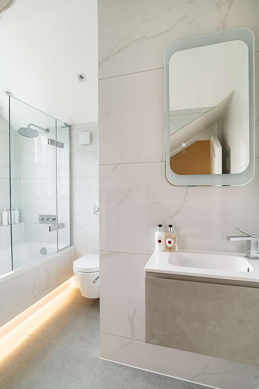 Ensuite Bathroom - Wimbledon