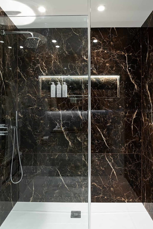 Master Bathroom - Wimbledon