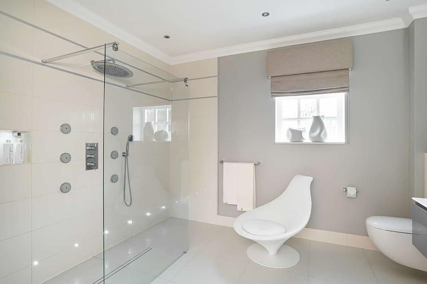 Bathroom wet shower - Sunningdale
